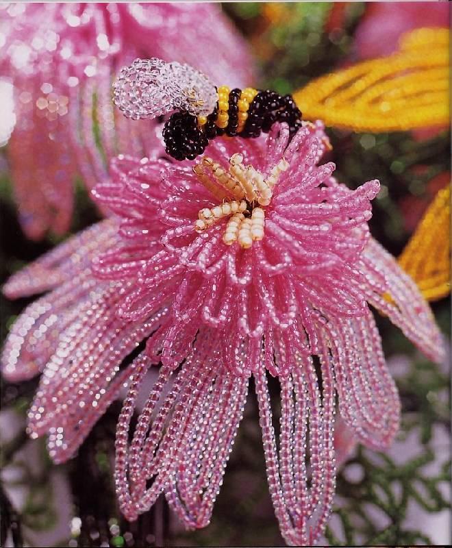 Рубрика: Галерея бисерных идей, Цветы из бисера техники плетения фото поделок из бисера цветы из бисера...