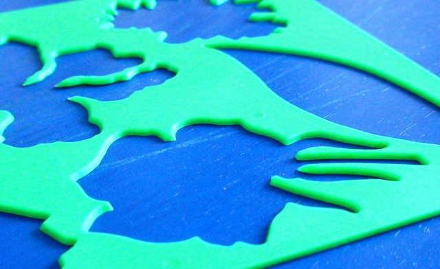 Иллюстрация 1 из 8 для Трафарет пластмассовый. Цветы садовые | Лабиринт - игрушки. Источник: _Елена_