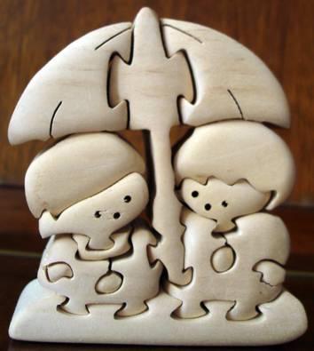 """Иллюстрация 1 из 2 для Пара """"Мальчик и девочка"""" (под зонтом)   Лабиринт - игрушки. Источник: Настасья"""