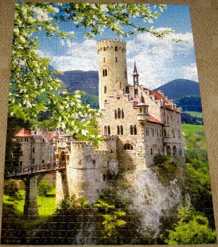 Иллюстрация 1 из 2 для Puzzle-1000.С-100149.Лихтенштейн,Германи   Лабиринт - игрушки. Источник: Губяткин  Павел Владимирович