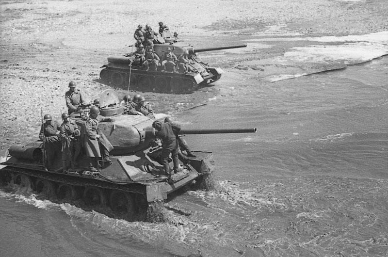 """Иллюстрация 10 к книге  """"Крупнейшее танковое сражение Великой Отечественной.  Битва за Орел """", фотография, изображение..."""