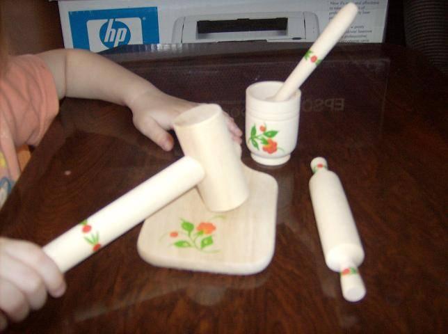 Иллюстрация 1 из 2 для Кухонный набор расписной малый (Д-303) | Лабиринт - игрушки. Источник: Исаенко Мария Владимировна