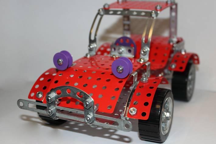 Как сделать машину с железного конструктора