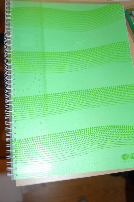 Иллюстрация 1 из 5 для Тетрадь Waves А4, 100 листов, клетка (98974) | Лабиринт - канцтовы. Источник: ИринаИ