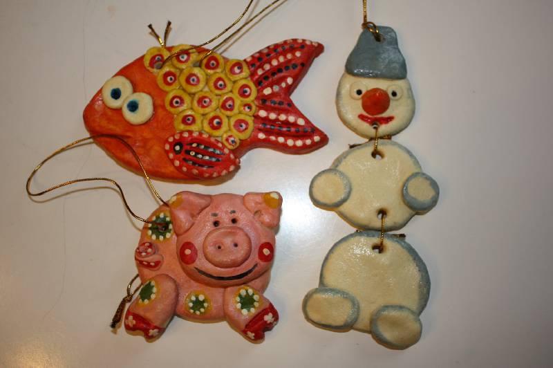 Как сделать новогоднюю игрушки из соленого теста