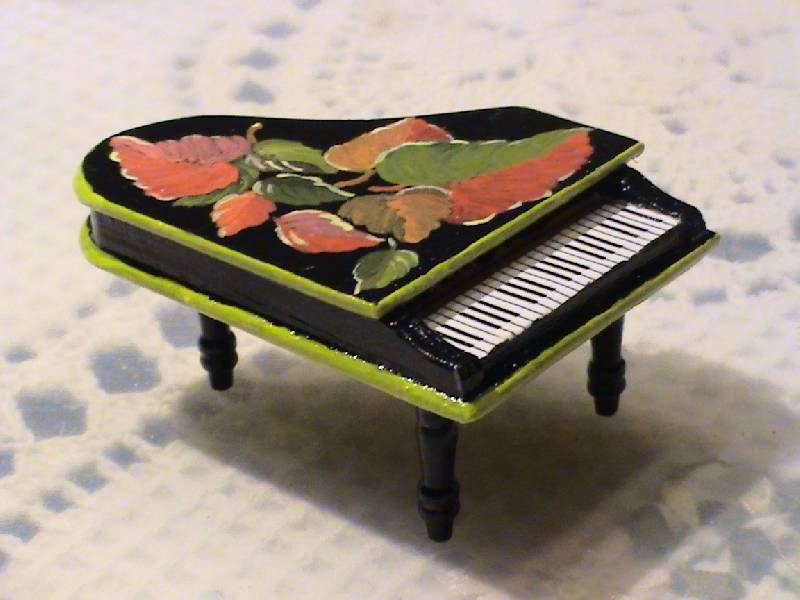 Иллюстрация 1 из 4 для Роспись лаковой миниатюры №4 (708004) | Лабиринт - игрушки. Источник: Обычная москвичка
