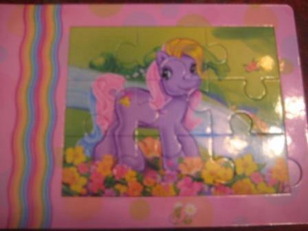 Иллюстрация 1 из 5 для Мой маленький пони. В гостях у пони. Книжка-мозаика   Лабиринт - книги. Источник: Yulyasha