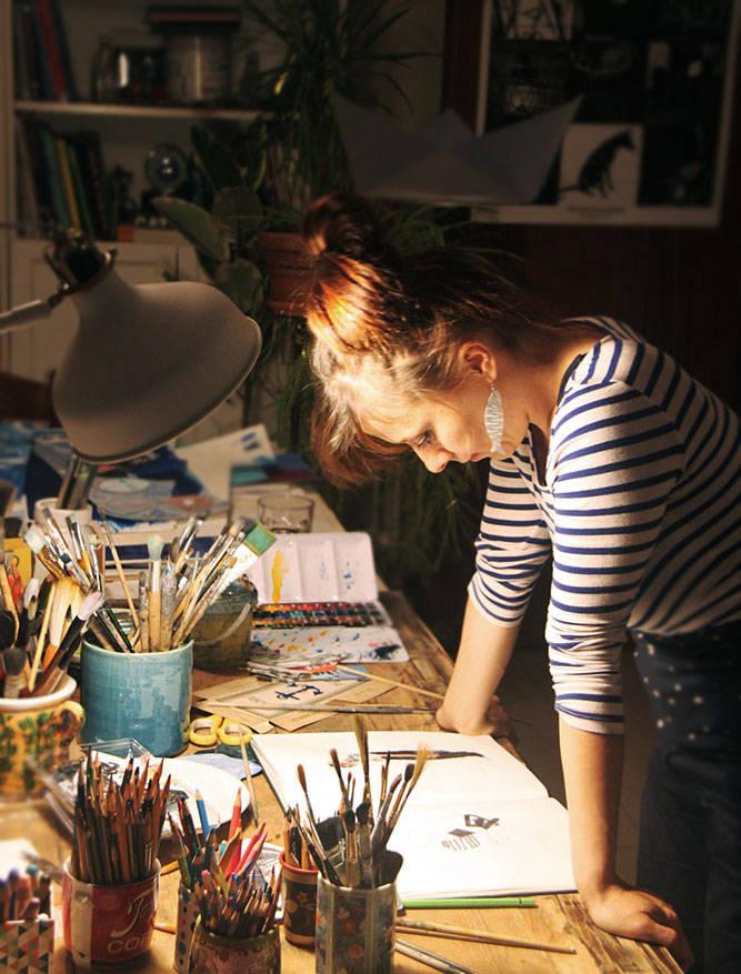 Виктория Семыкина за работой