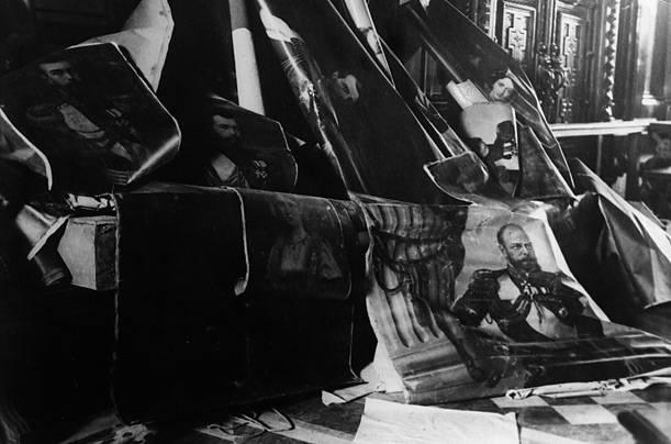 """Иллюстрация 1 из 16 для Февральская революция. Фильмы 25-26 (DVD) - Н. Смирнов   Лабиринт - видео. Источник: sinobi sakypa """"""""( ^ _ ^ )"""""""""""