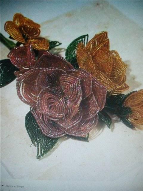 Иллюстрация 1 из 42 для Цветы из бисера. Композиции для интерьера, одежды - Кэрол Доуэлп | Лабиринт - книги. Источник: света
