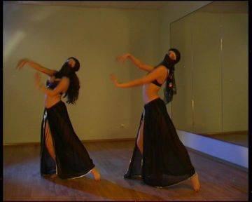 Иллюстрация 1 из 8 для Потанцуем: Танец живота. Часть 1 (DVD) | Лабиринт - видео. Источник: Ляпина  Ольга Станиславовна