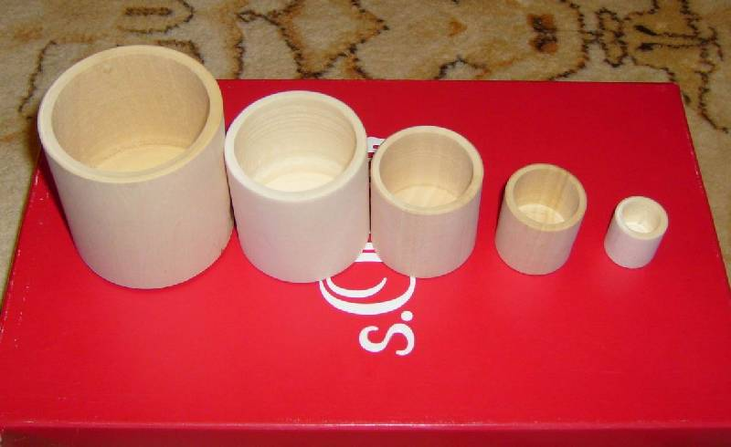Иллюстрация 1 из 3 для Цилиндрики стаканы 5 в 1 | Лабиринт - игрушки. Источник: Svetline