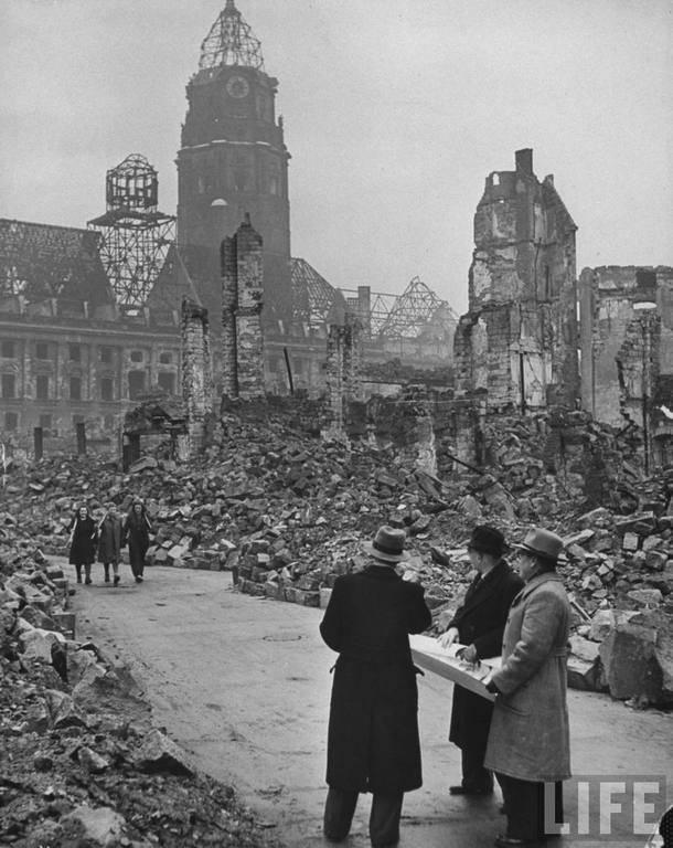 Последствия бомбардировки Дрездена в 1945 году Фото