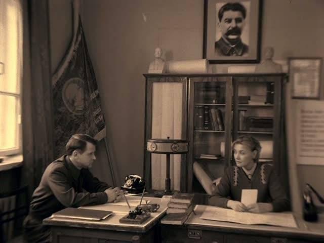 Иллюстрация 1 из 16 для Завтра была война (DVD) - Юрий Кара   Лабиринт - видео. Источник: Флинкс
