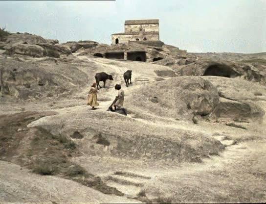 Иллюстрация 1 из 16 для Легенда о Сурамской крепости (DVD) - Параджанов, Абашидзе | Лабиринт - видео. Источник: Флинкс