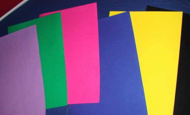 Иллюстрация 1 из 2 для Бумага цветная бархатная. 10 листов, 10 цветов (11-410-51) | Лабиринт - канцтовы. Источник: _Елена_