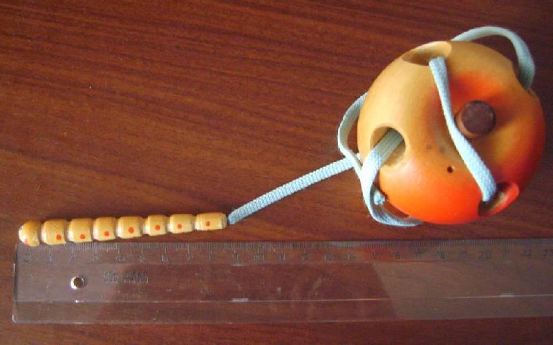 Иллюстрация 1 из 6 для Яблоко-шнуровка | Лабиринт - игрушки. Источник: Tatka
