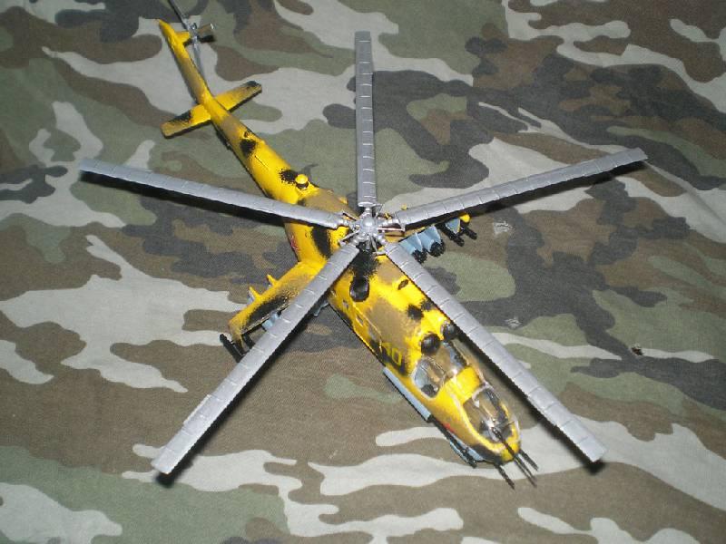 Иллюстрация 1 из 3 для 7212/Советский многоцелевой вертолет Ми-24Е | Лабиринт - игрушки. Источник: дементьев  сергей владимирович