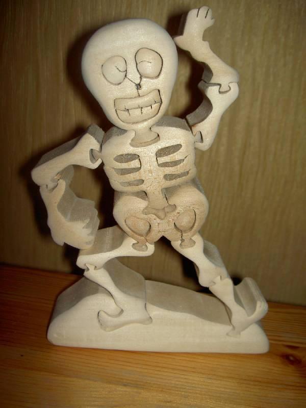 Иллюстрация 1 из 4 для Веселый скелет   Лабиринт - игрушки. Источник: hellgirl
