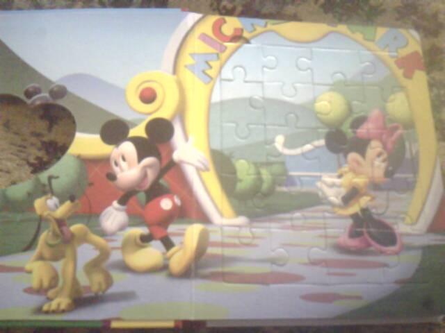Иллюстрация 1 из 4 для Клуб Микки Мауса. В путь! Мозаика-малышка   Лабиринт - книги. Источник: elue