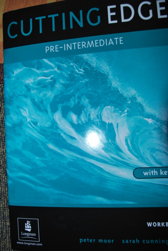 Иллюстрация 1 из 17 для Cutting Edge. Pre-Intermediate: Workbook with key - Peter Moor | Лабиринт - книги. Источник: Журавлёва  Анна