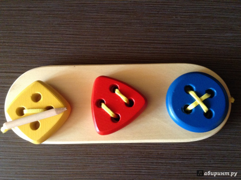 Иллюстрация 1 из 5 для Пуговицы-шнуровки 3 в ряд (геометрия) (Ш-089) | Лабиринт - игрушки. Источник: Фролова  Елена