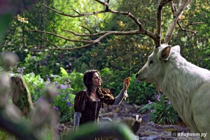Иллюстрация 1 из 6 для Белоснежка и охотник (DVD) - Руперт Сандерс | Лабиринт - видео. Источник: Елизовета Савинова