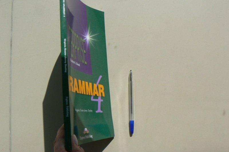 Иллюстрация 2 из 5 для Enterprise 4. Grammar Book. Intermediate. Грамматический справочник - Evans, Dooley | Лабиринт - книги. Источник: Марина