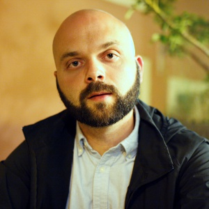Виталий Зюсько: «Дети имеют право знать то, что для них важно». Интервью с издательством «КомпасГид»