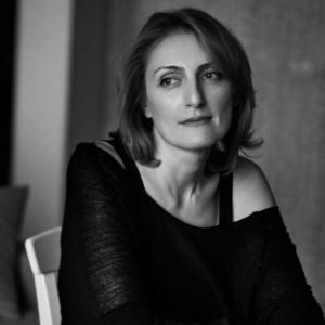 «Дальше жить» Наринэ Абгарян — книга о тех, кто пережил войну. И тех, кто не пережил