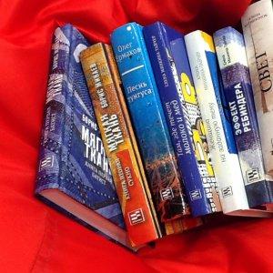 Женщины и книги. Девять идей для подарка
