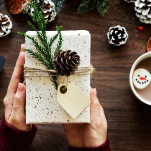 Никто не останется без подарка: крутые идеи и творческие мелочи