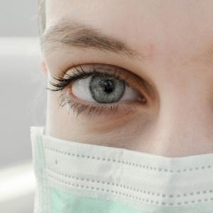 Ко Дню медика. Литература и медицина в борьбе за хрупкую жизнь