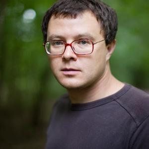 Глеб Шульпяков: «Нужно почаще менять фон, чтобы увидеть себя и мир со стороны»