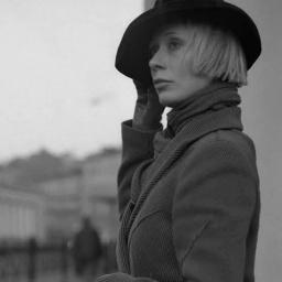 «Я — за долгие отношения». Юлия Яковлева — о любимых писателях-детективщиках