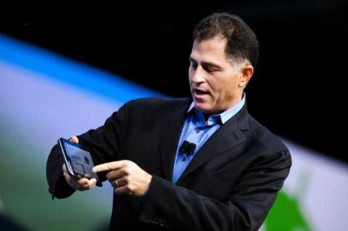 Майкл Делл, глава компании Dell, лично презентует клиентам новые модели продукта
