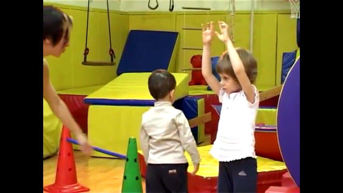 Иллюстрация 1 из 7 для Прыг-скок. Дыхательная и двигательная гимнастика для детей от 2-х до 3-х лет (DVD) - Михаил Трофименков | Лабиринт - Источник: zh123