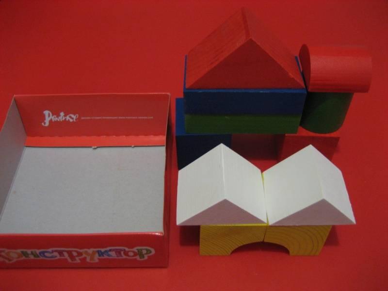 Иллюстрация 1 из 10 для Конструктор цветной (11 деталей) (7877-00) | Лабиринт - игрушки. Источник: малышка Мю