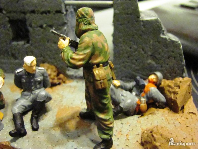 Иллюстрация 3 из 13 для Советские разведчики. 1943-1945 (3643) | Лабиринт - игрушки. Источник: Валов  Михаил