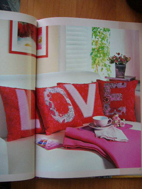 Иллюстрация 14 из 26 для Шьем модные подушки - Петра Гофман | Лабиринт - книги. Источник: Яроmira