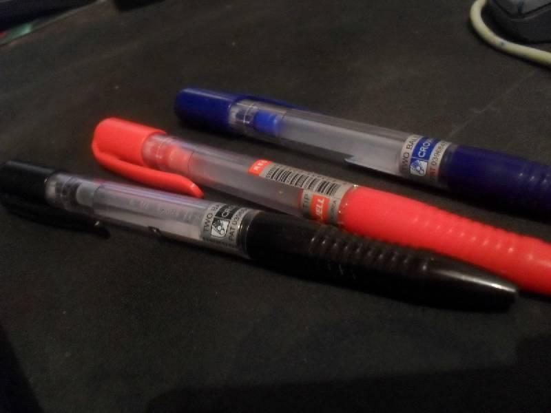 Иллюстрация 2 из 2 для Набор гелевых ручек 3 цвета (AJ-5000R-B/ЧСК) | Лабиринт - канцтовы. Источник: Охотница