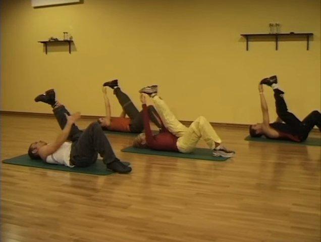 Иллюстрация 7 из 9 для Фитнес йога (3DVD) - Вильгельм, Винитинский | Лабиринт - видео. Источник: noname