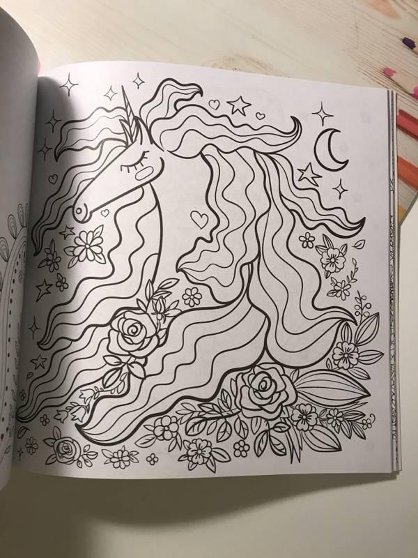 Иллюстрация 23 из 42 для Единороги. Раскраска-антистресс ...